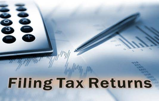 Is there a charge in the late filing of form 3 after filing form 2, in the process of incorporating an LLP?