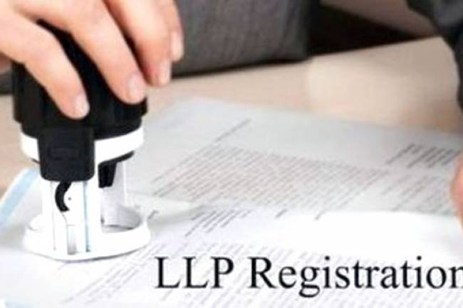 Can an individual other than designated partner Finance in LLP?